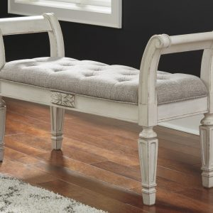 Realyn - Antique White - Accent Bench