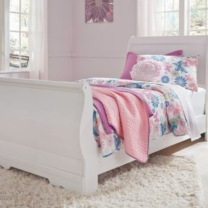 Anarasia - White - Twin Sleigh Bed with Jobeth Quilt Set