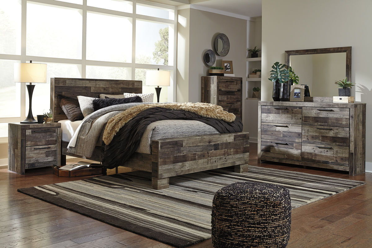 Derekson - Multi Gray - Queen Panel Bed
