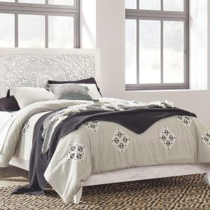 Paxberry - Whitewash - Queen Panel Bed